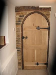 Arched Door Bevelled Ledges